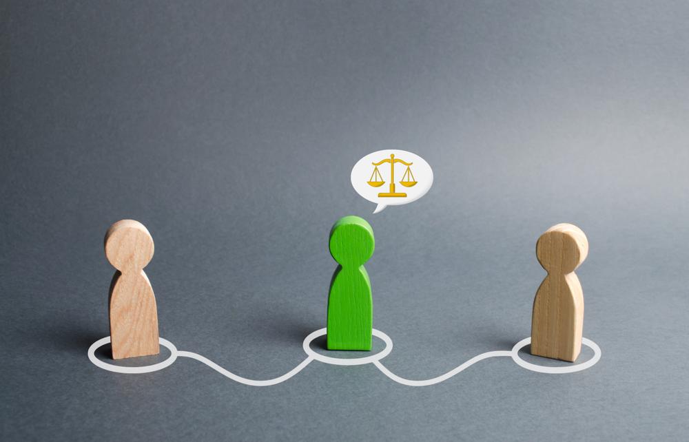 adaletin onaran yuzu fikir turu