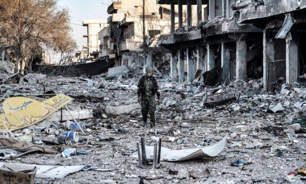 Fırat'ın doğusunda yeni denklem: Kürtler Suriye'nin geleceğine nasıl hazırlanıyor?